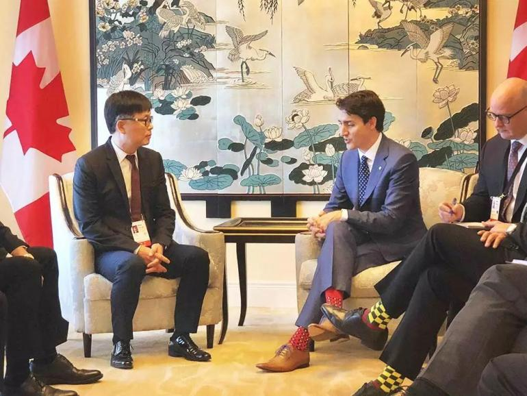 Paul Fang Meets Justin Trudeau at Fortune Global Forum